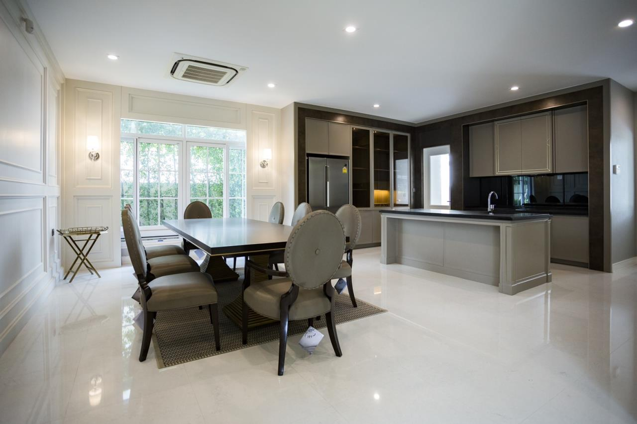 Hawk Eyes Property Bangkok Co.,Ltd. Agency's A luxury 4 bedrooms 5 bathrooms single house with fully furnish for rent in Bang Na k.m.7 5