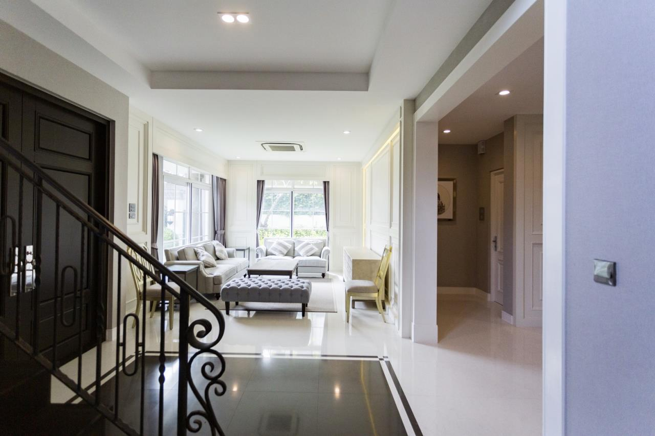 Hawk Eyes Property Bangkok Co.,Ltd. Agency's A luxury 4 bedrooms 5 bathrooms single house with fully furnish for rent in Bang Na k.m.7 8