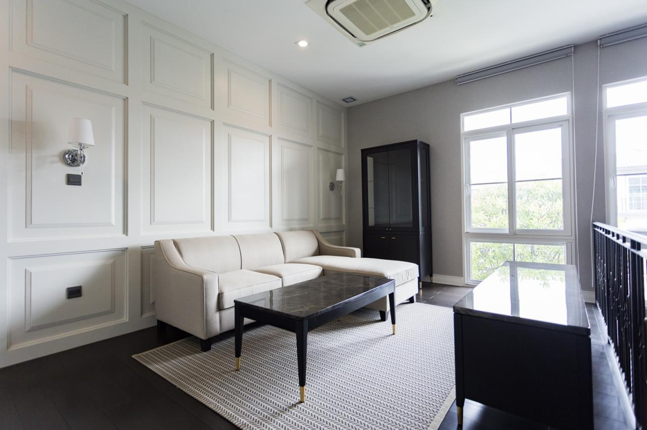 Hawk Eyes Property Bangkok Co.,Ltd. Agency's A luxury 4 bedrooms 5 bathrooms single house with fully furnish for rent in Bang Na k.m.7 9
