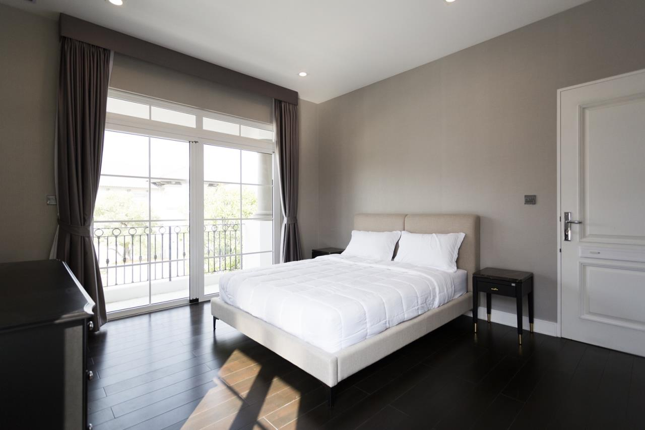 Hawk Eyes Property Bangkok Co.,Ltd. Agency's A luxury 4 bedrooms 5 bathrooms single house with fully furnish for rent in Bang Na k.m.7 13