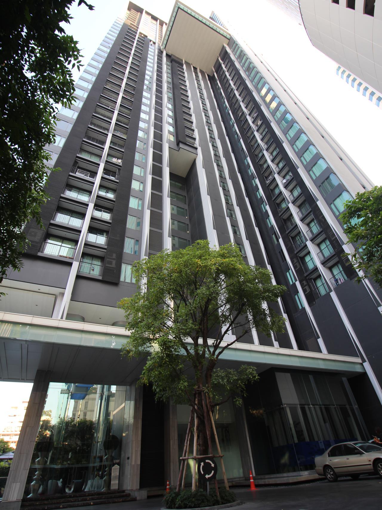 Hawk Eyes Property Bangkok Co.,Ltd. Agency's 2 bedrooms 2 bathrooms for rent close by BTS Asoke, Egde Sukhumvit 23 1