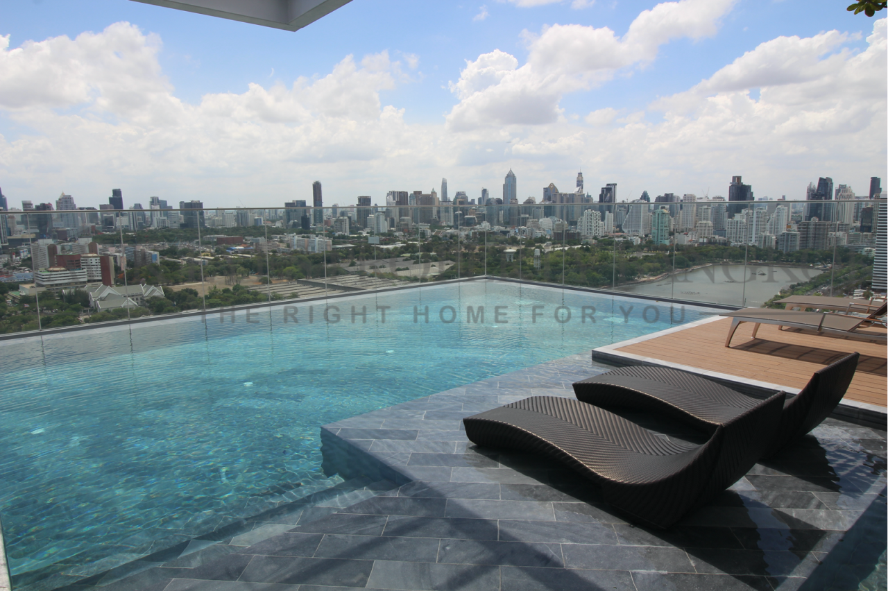 Hawk Eyes Property Bangkok Co.,Ltd. Agency's 1+1 large bedroom 1 bathroom brand new with fully furnished for rent at Siamese exclusive queen for rent. 1