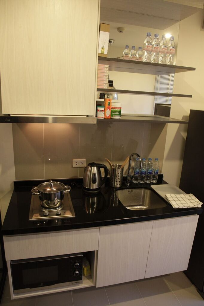 RE/MAX All Star Realty Agency's Superb, fully furnished Park East condo for rent 18,000 Baht at On Nut BTS – Basepark East (Soi 77) 7