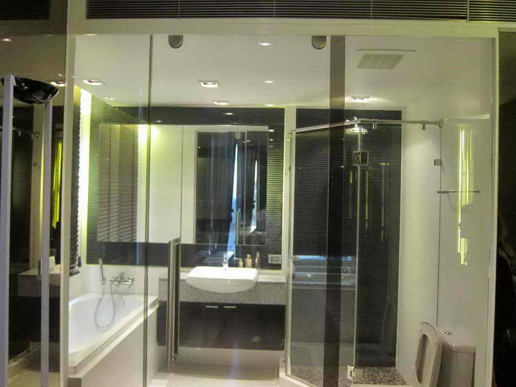 RE/MAX All Star Realty Agency's Lavish 2Br Condo for sale at Manhattan Chidlom 8