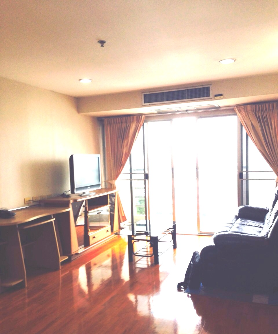 RE/MAX All Star Realty Agency's Well maintained 2-Bed Condo for rent/sale at Phrom Phong BTS (Sukhumvit Soi 30) – Waterford Diamond 1