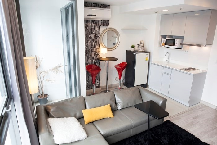 RE/MAX All Star Realty Agency's Brand New Ideo Mobi Sukhumvit 81 Penthouse Duplex for sale/rent 4