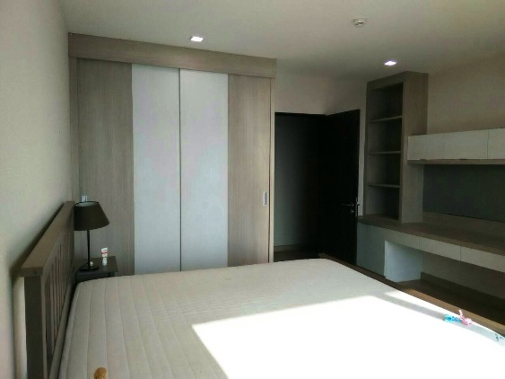 RE/MAX All Star Realty Agency's Almost new 3-Bed luxury condo for sale – Skywalk (BTS Phra Khanong) 8