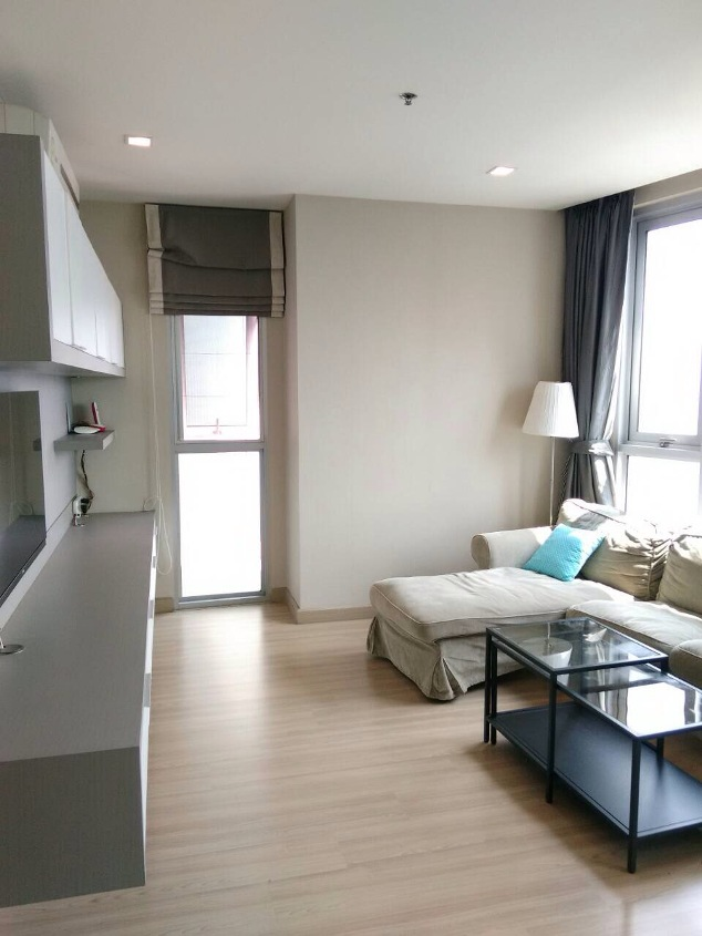 RE/MAX All Star Realty Agency's Almost new 3-Bed luxury condo for sale – Skywalk (BTS Phra Khanong) 2