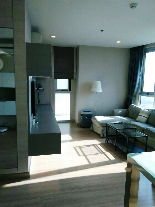 RE/MAX All Star Realty Agency's Almost new 3-Bed luxury condo for sale – Skywalk (BTS Phra Khanong) 3
