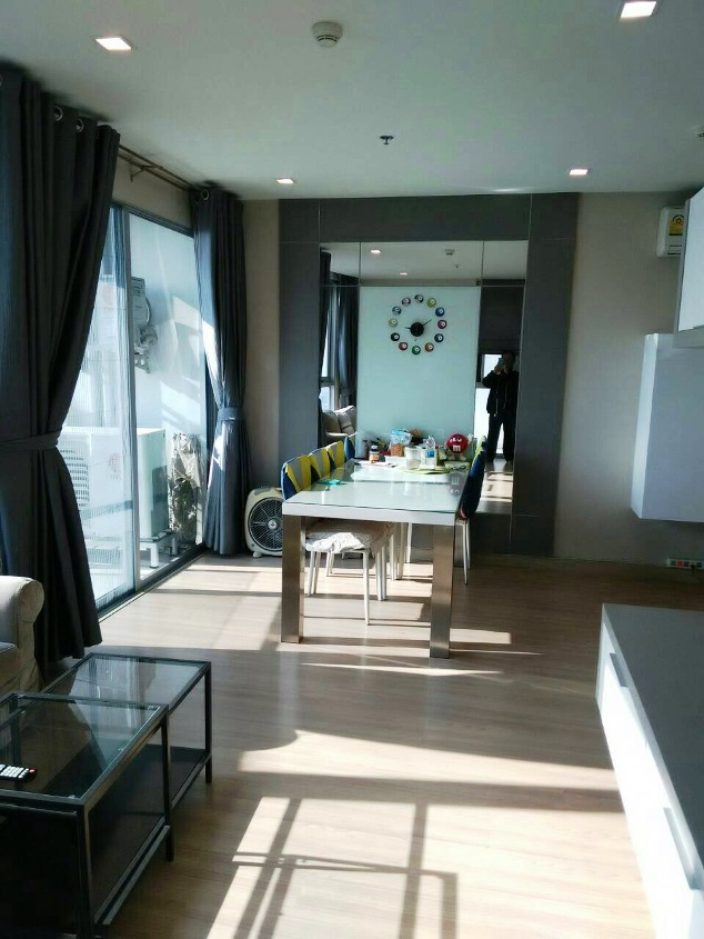 RE/MAX All Star Realty Agency's Almost new 3-Bed luxury condo for sale – Skywalk (BTS Phra Khanong) 4