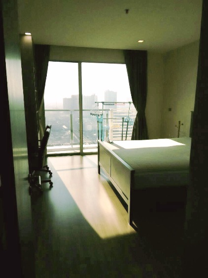 RE/MAX All Star Realty Agency's Almost new 3-Bed luxury condo for sale – Skywalk (BTS Phra Khanong) 30