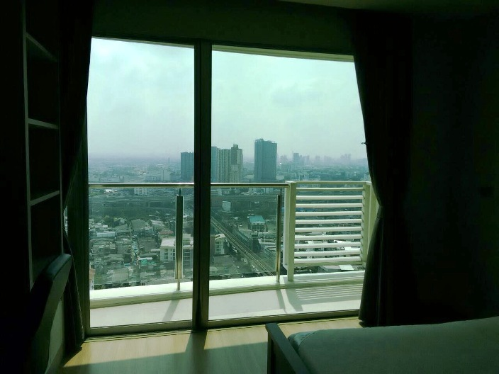 RE/MAX All Star Realty Agency's Almost new 3-Bed luxury condo for sale – Skywalk (BTS Phra Khanong) 33