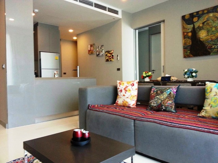 RE/MAX All Star Realty Agency's Luxury large 84sqm new tw-bed condo for rent at M Silom 1