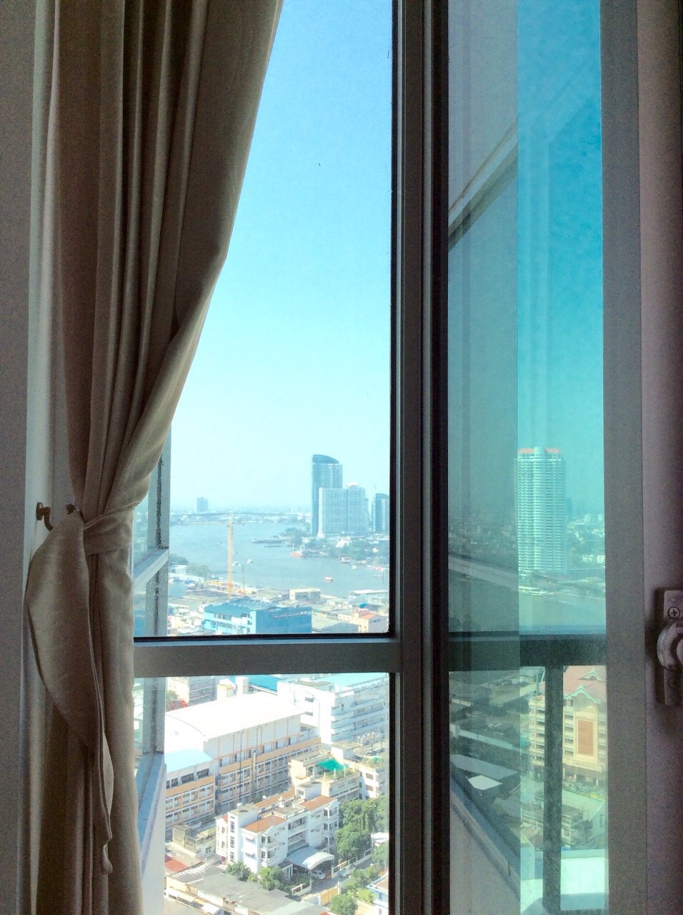 RE/MAX All Star Realty Agency's Charming river view, large one-bed condo Rhythm  Sathorn 21 highest floors rent 30k (neg) 5