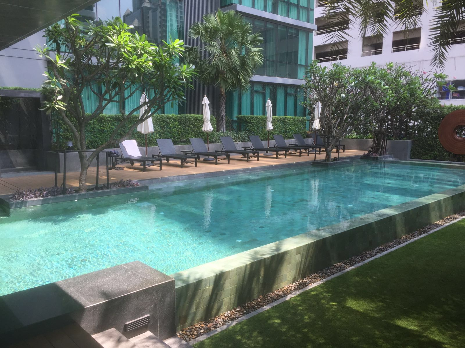 RE/MAX All Star Realty Agency's The Room Sukhumvit 21 large one bedder (53sqm) for sale/rent cheap 8