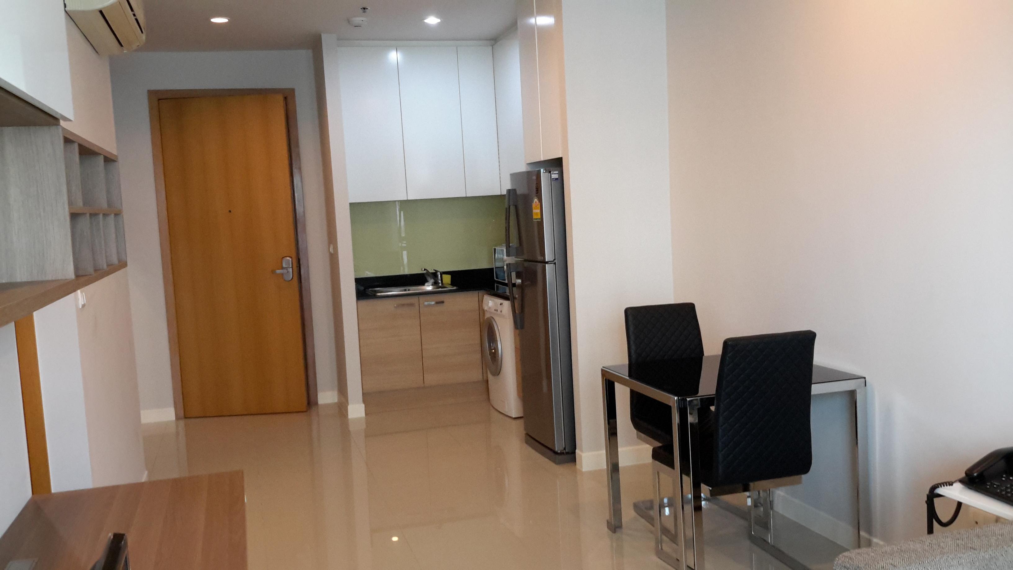 RE/MAX All Star Realty Agency's One Bedder (48sqm) at Circle Condo for Rent – walk to BTS Nana, ARL Makkasan, MRT Petchaburi 1