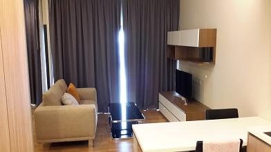 RE/MAX All Star Realty Agency's One Bedder (46sqm) at Circle2 Condo for Rent – walk to BTS Nana, ARL Makkasan, MRT Petchaburi 1