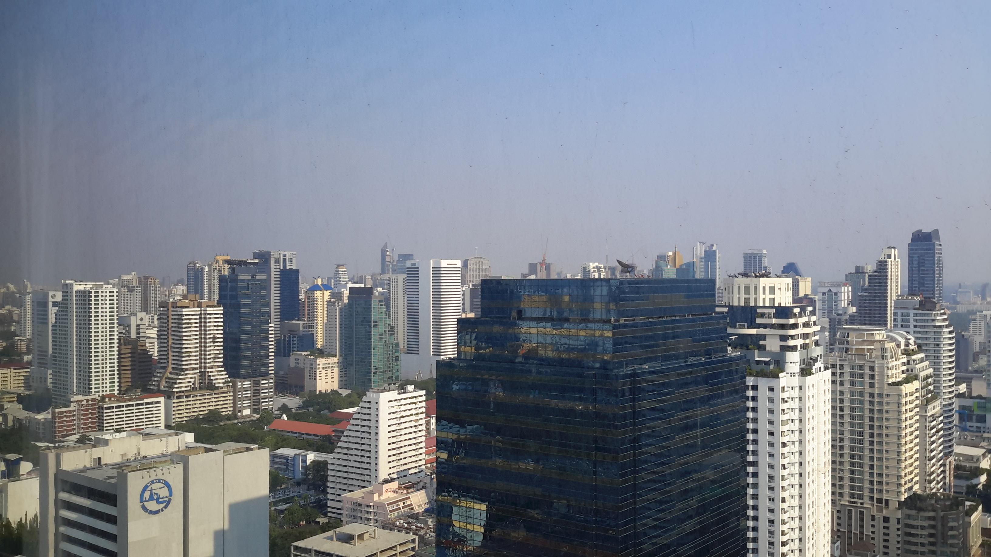 RE/MAX All Star Realty Agency's Two Bedder (84sqm) at Circle2 Condo for Rent – walk to BTS Nana, ARL Makkasan, MRT Petchaburi 11