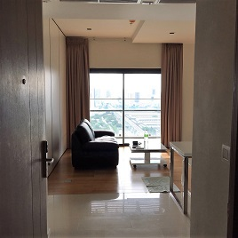 RE/MAX All Star Realty Agency's One Bedder (48sqm) Circle 2 Living Prototype Condo Rent cheap – walk to BTS Nana 4