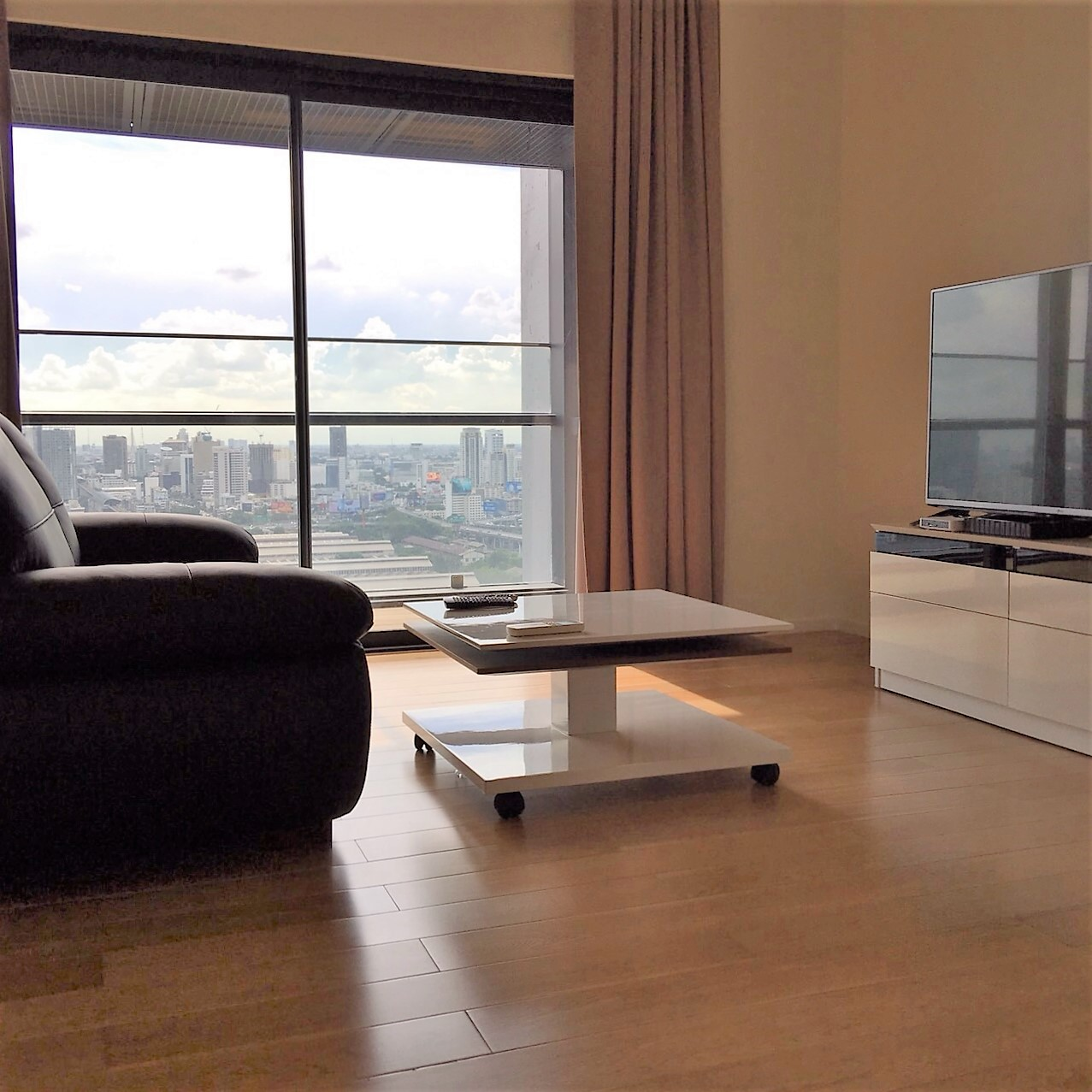 RE/MAX All Star Realty Agency's One Bedder (46sqm) at Circle2 Condo Rent very cheap 3