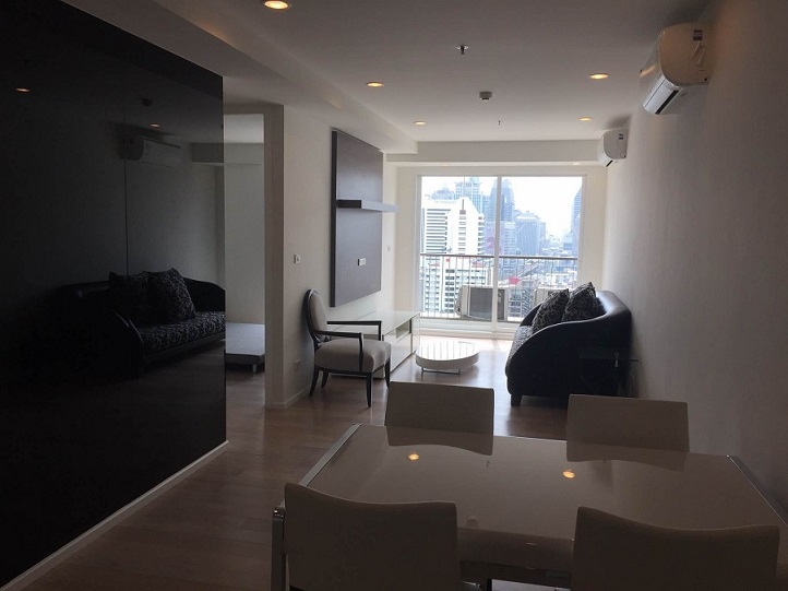 RE/MAX All Star Realty Agency's New Large One Bed Condo for sale 15 Sukhumvit Residences (walk to BTS Nana/Asoke) 1