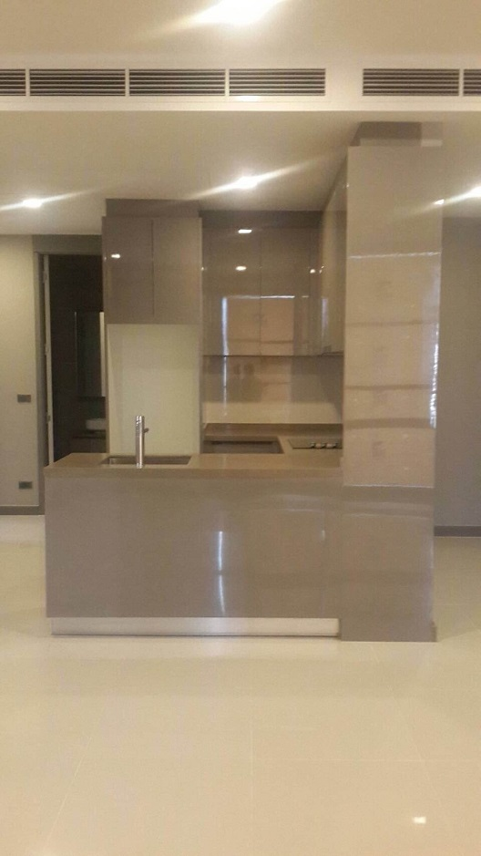 RE/MAX All Star Realty Agency's Luxury M Silom 85sqm two-bed sale 18mb 7