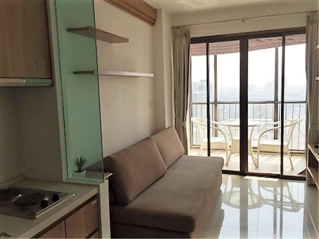 RE/MAX All Star Realty Agency's Ideo Mix 103 one-bed condo for rent (BTS Udom Suk) 2