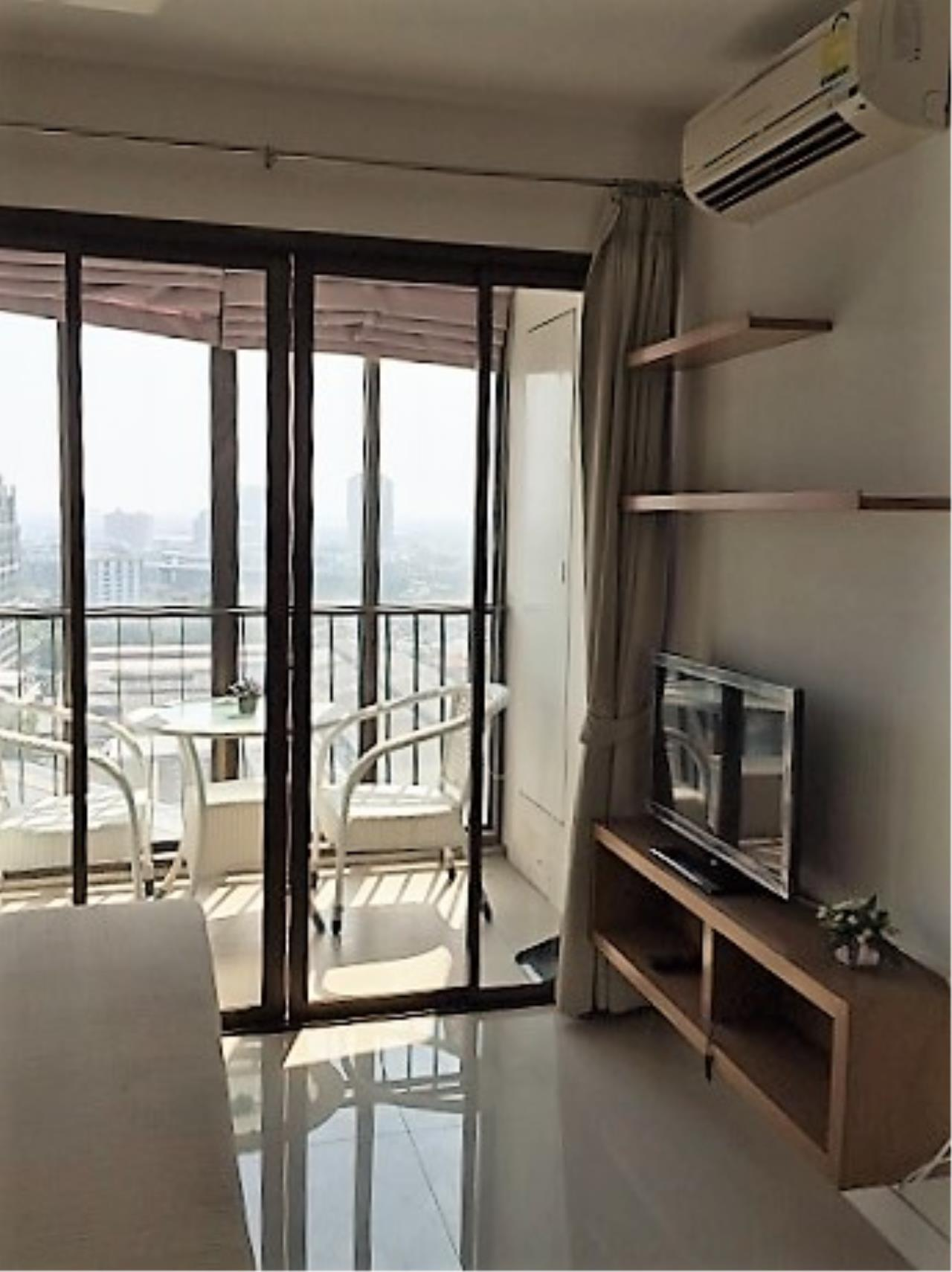 RE/MAX All Star Realty Agency's Ideo Mix 103 one-bed condo for rent (BTS Udom Suk) 3