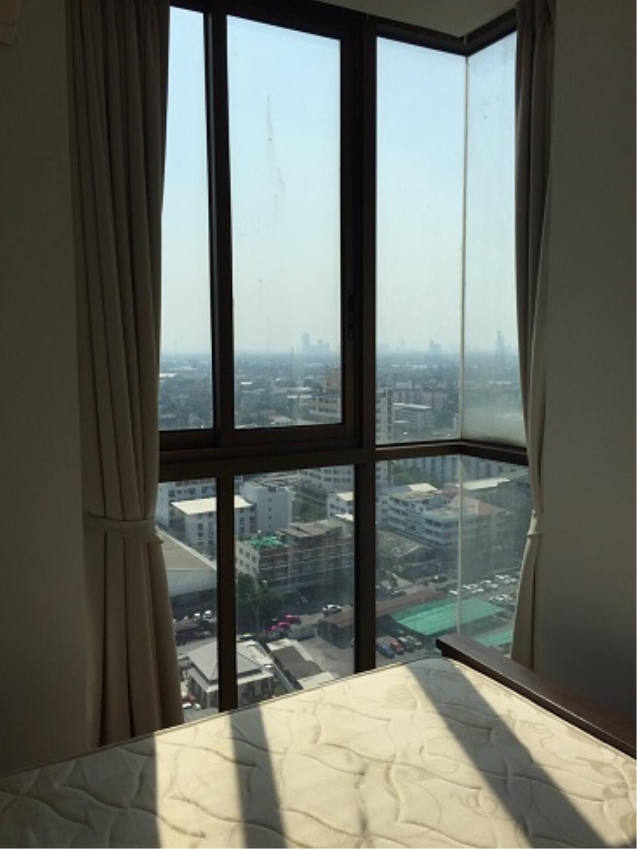 RE/MAX All Star Realty Agency's Ideo Mix 103 one-bed condo for rent (BTS Udom Suk) 5
