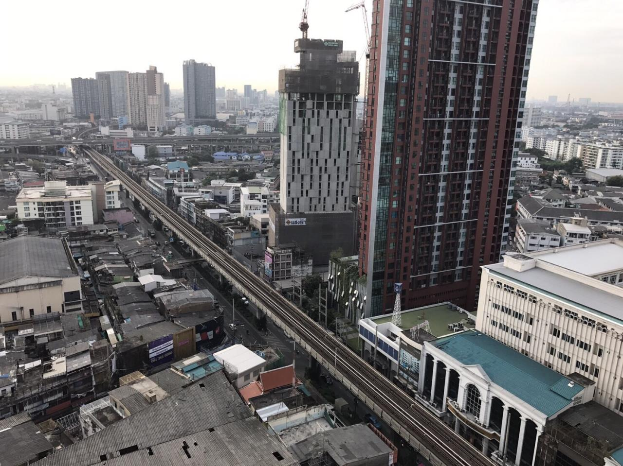 RE/MAX All Star Realty Agency's Skywalk Beautiful One Bed 53sqm rent 35k only (BTS Phra Khanong) 2