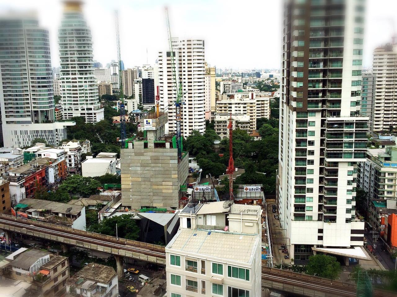 RE/MAX All Star Realty Agency's Noble Refine for rent BTS Phrom Phong BTS 6