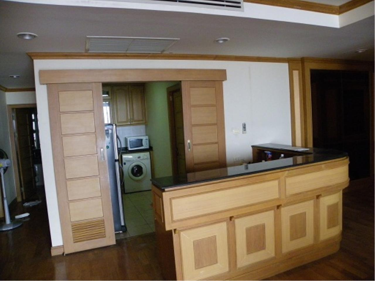 RE/MAX All Star Realty Agency's Three-bed condo River Heaven for rent (Charoenkrung Road) 60,000 baht 6