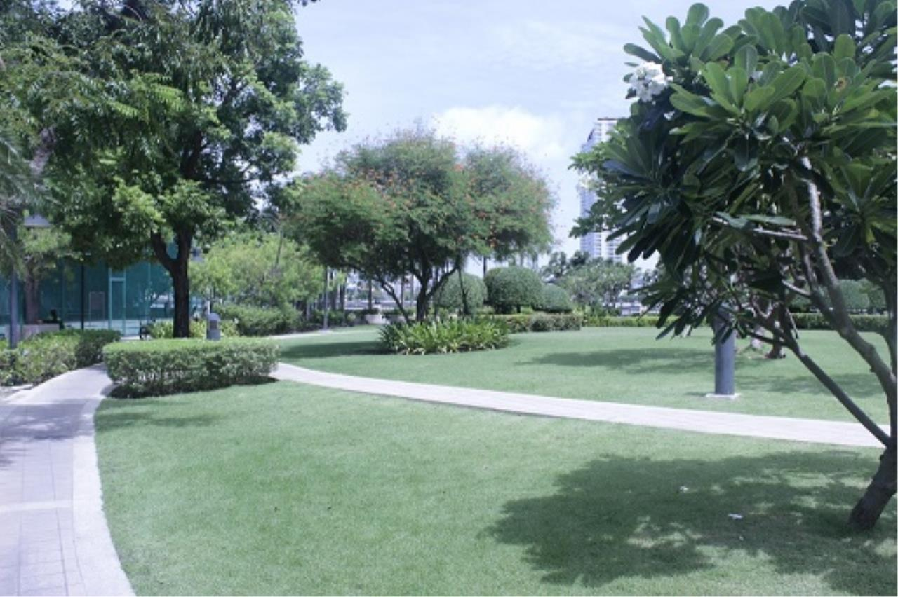 RE/MAX All Star Realty Agency's Three-bed condo River Heaven for rent (Charoenkrung Road) 60,000 baht 28
