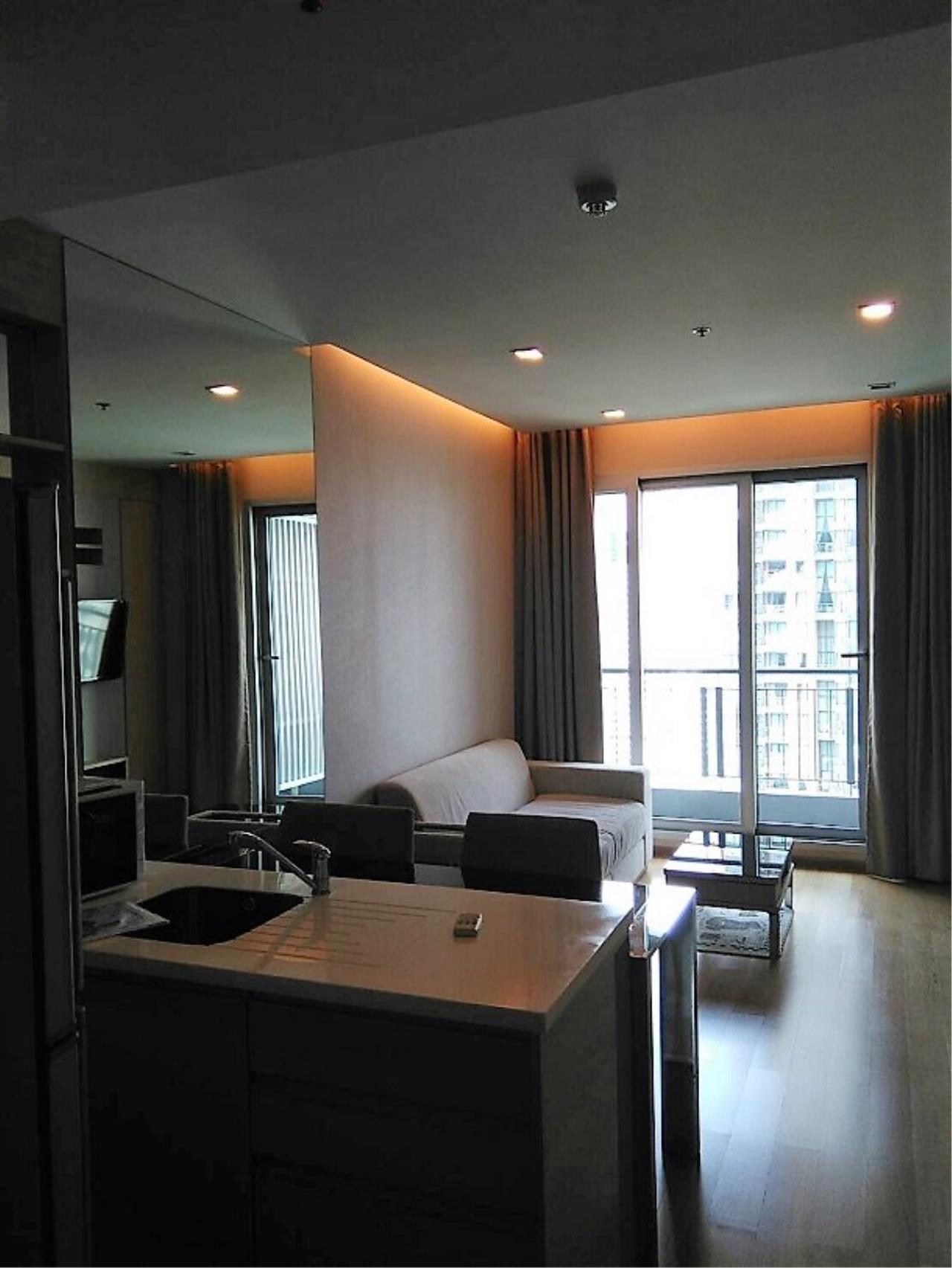 RE/MAX All Star Realty Agency's Address Asoke One Bed 45sqm high floor for Rent.  5