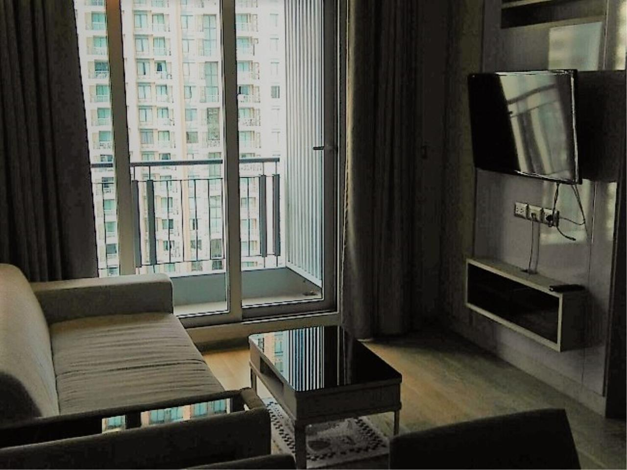 RE/MAX All Star Realty Agency's Address Asoke One Bed 45sqm high floor for Rent.  6
