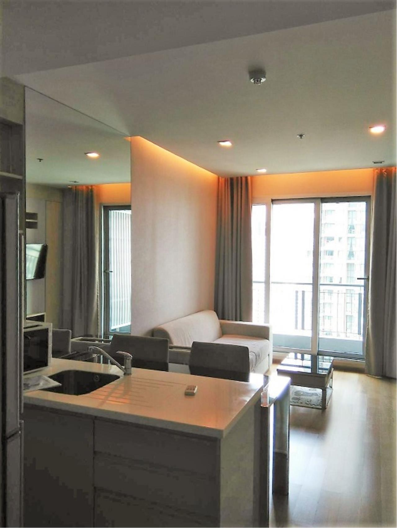 RE/MAX All Star Realty Agency's Address Asoke One Bed 45sqm high floor for Rent.  8