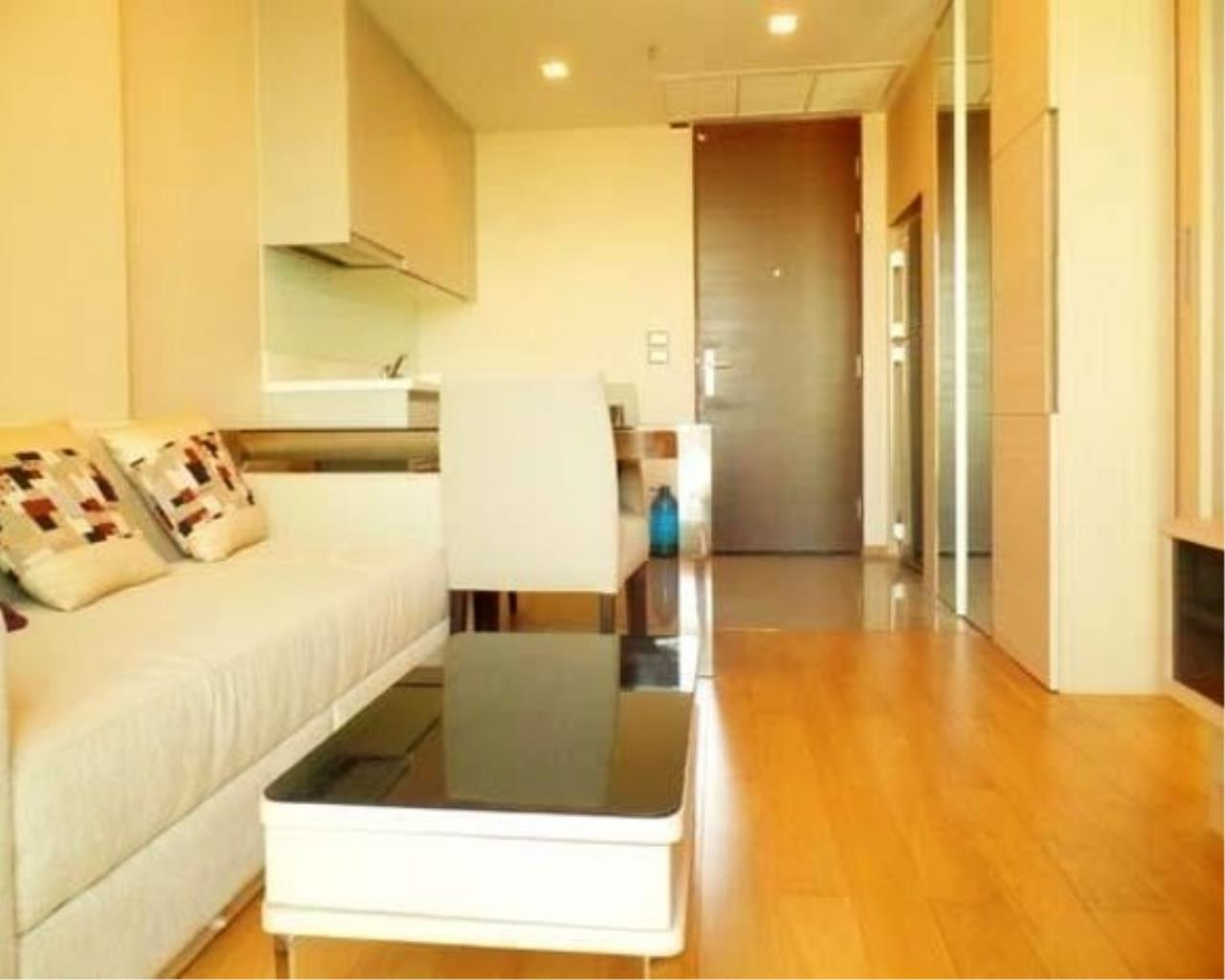RE/MAX All Star Realty Agency's Address Asoke One Bed 45sqm high floor for Rent.  11