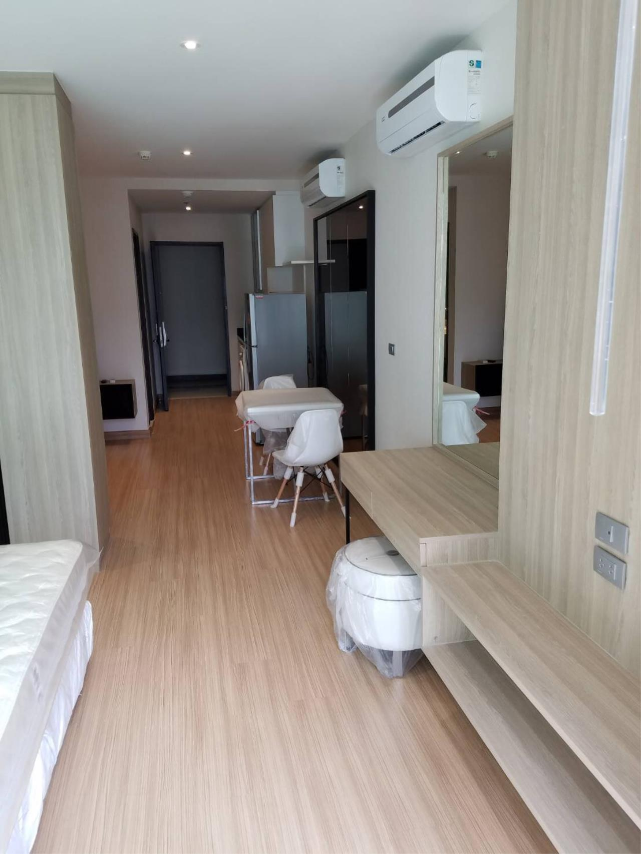 RE/MAX All Star Realty Agency's Skywalk  1