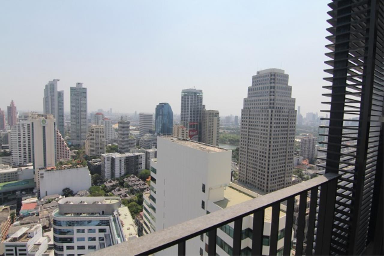 RE/MAX All Star Realty Agency's Edge Sukhumvit23 one bed for rent (BTS Asoke / MRT Sukhumvit) 1