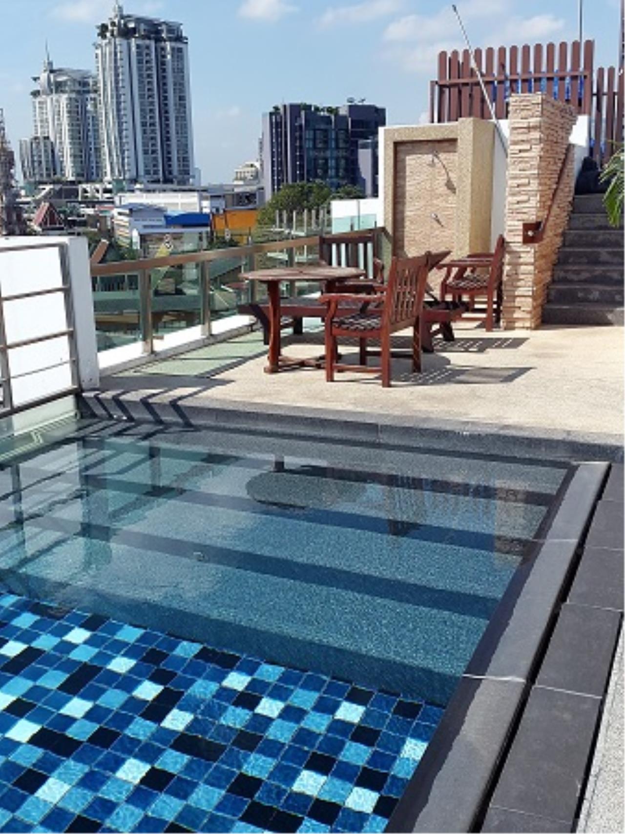 RE/MAX All Star Realty Agency's Click Condo Ekamai two-bed sale/rent (BTS Ekkamai/Phra kanong) 11