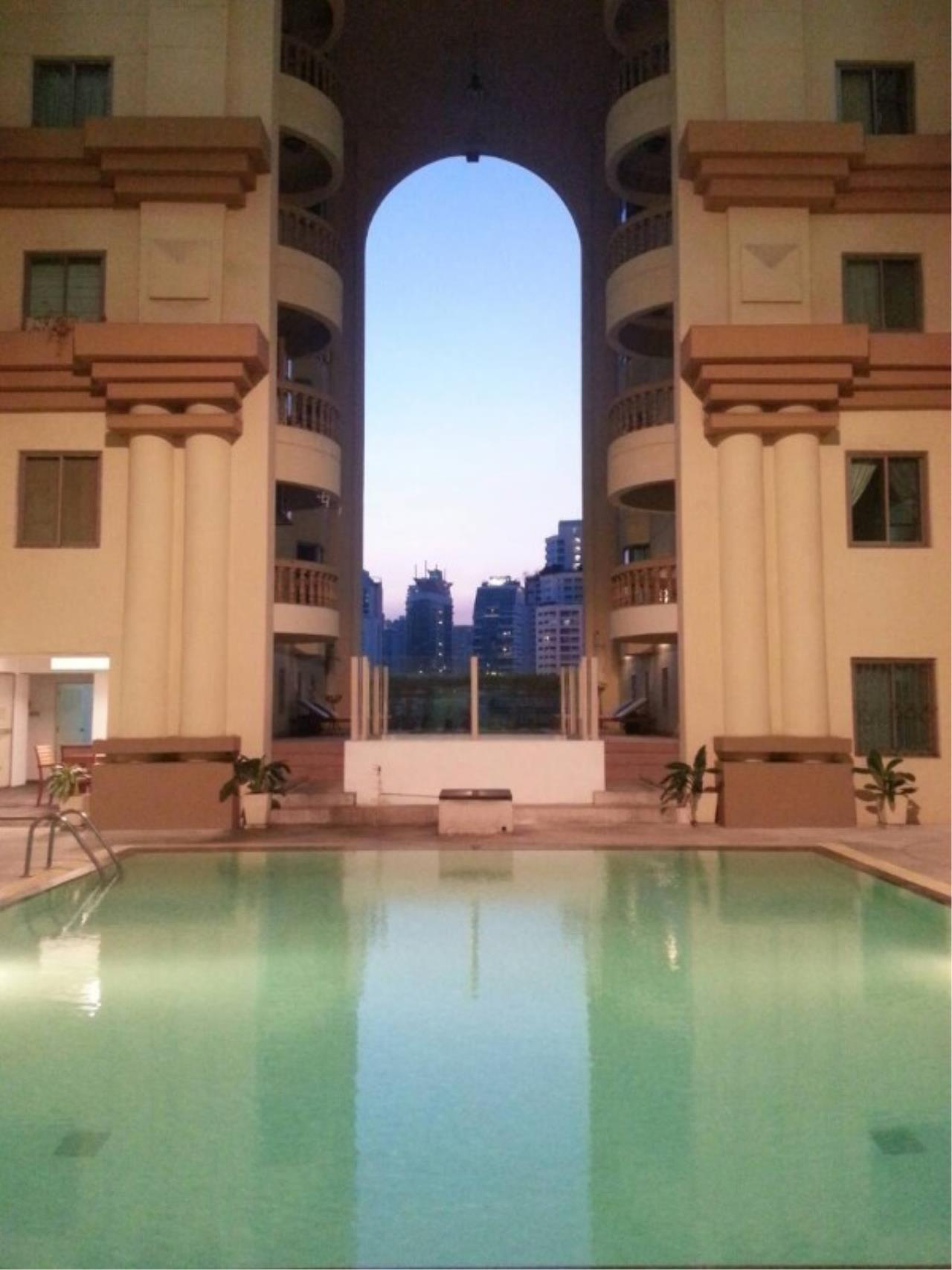 RE/MAX All Star Realty Agency's Royal Castle 4bed 4bath 202sqm for rent (BTS Phrom Phong) 17