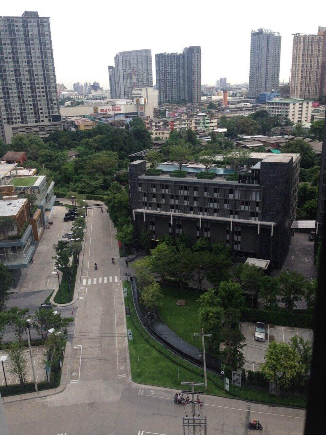 RE/MAX All Star Realty Agency's Basepark East One-Bed full furnished for rent 15,000 Baht neg (BTS On Nut) 2