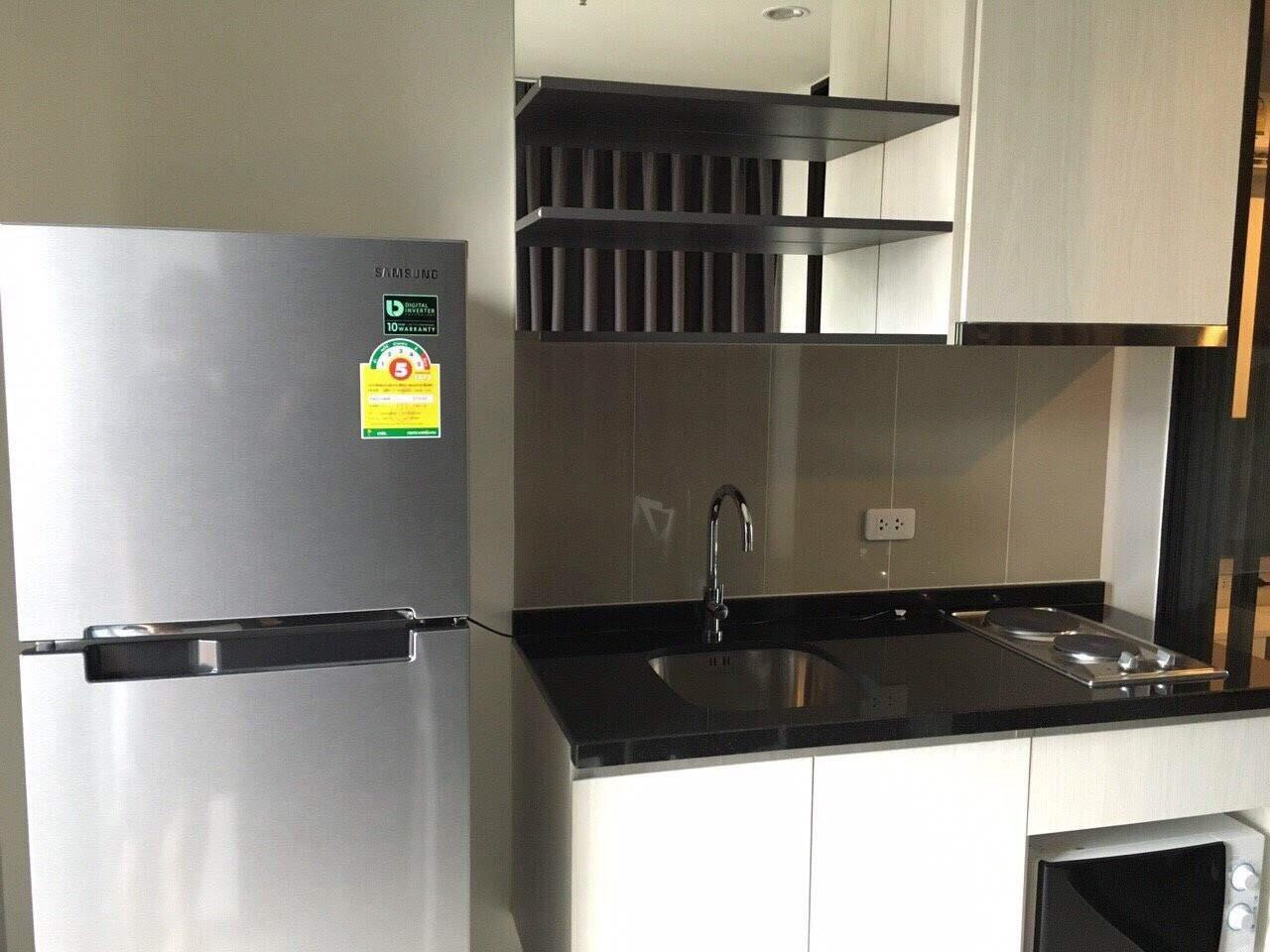 RE/MAX All Star Realty Agency's Basepark East One-Bed full furnished for rent 15,000 Baht neg (BTS On Nut) 4