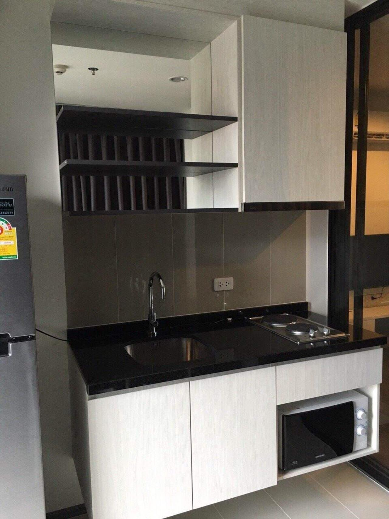 RE/MAX All Star Realty Agency's Basepark East One-Bed full furnished for rent 15,000 Baht neg (BTS On Nut) 10