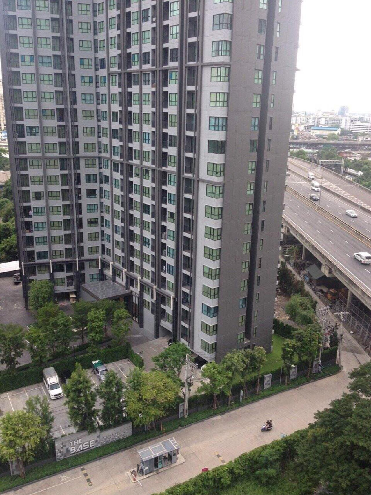 RE/MAX All Star Realty Agency's Basepark East One-Bed full furnished for rent 15,000 Baht neg (BTS On Nut) 11