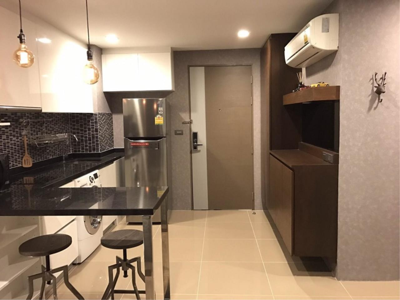 RE/MAX All Star Realty Agency's Mirage Sukhumvit one bed condo for sale/rent (BTS Asoke / MRT Sukhumvit) 1