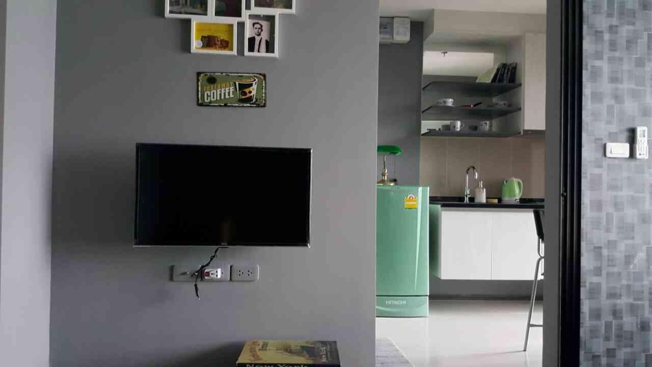RE/MAX All Star Realty Agency's Basepark East/West for rent 13,000 Baht one-bed (BTS On Nut) 1