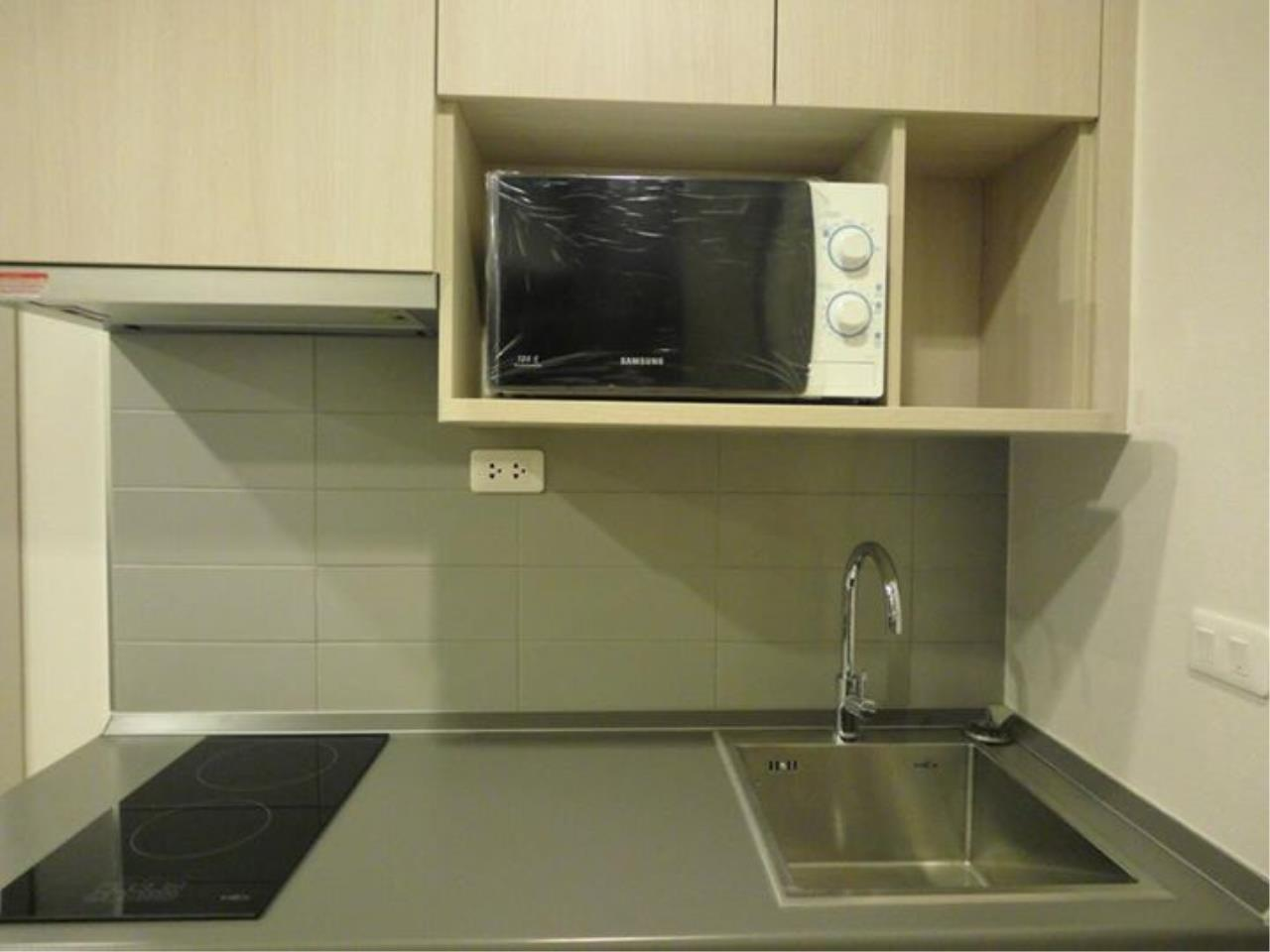 RE/MAX All Star Realty Agency's Ideo Mobi Eastgate, 1 bedroom, high floor for rent. Near BTS Bangna 14