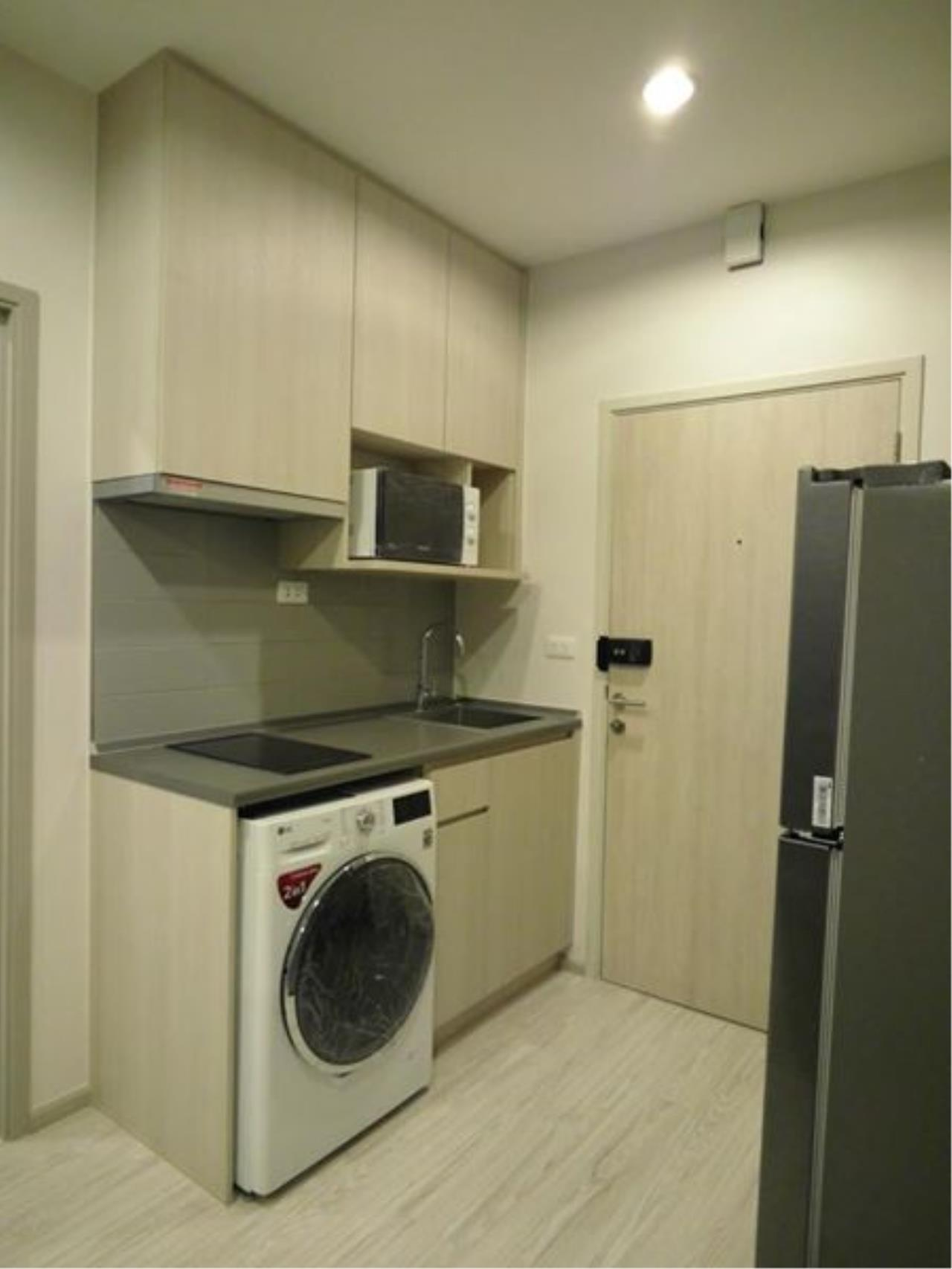 RE/MAX All Star Realty Agency's Ideo Mobi Eastgate, 1 bedroom, high floor for rent. Near BTS Bangna 15