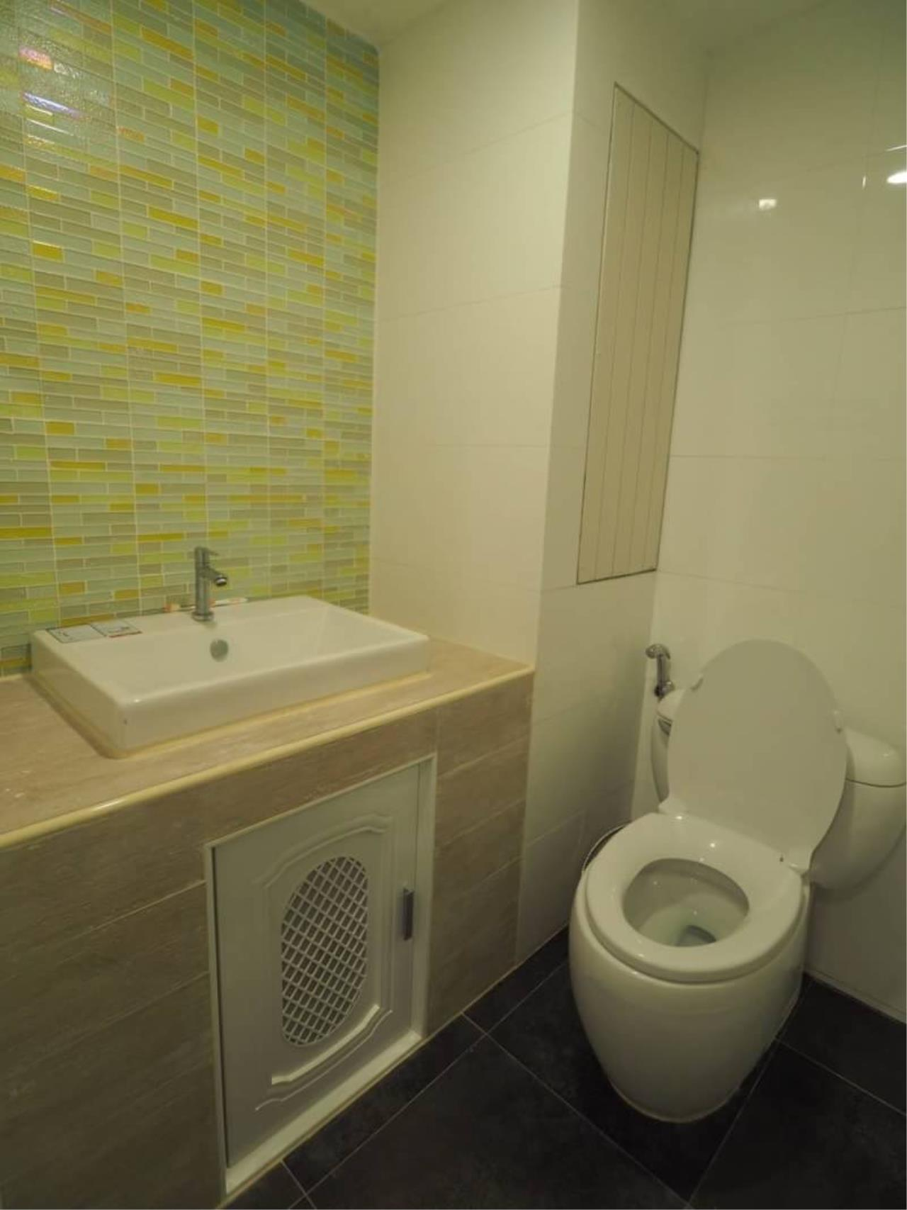RE/MAX All Star Realty Agency's Regent on the Park for rent (BTS Phrom Phong) 12